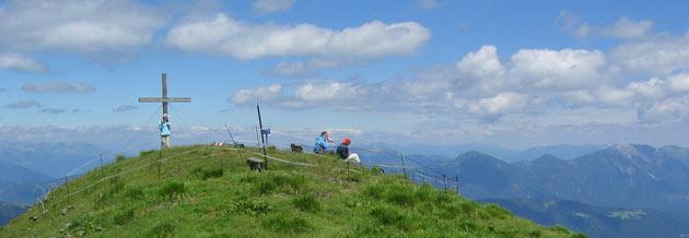 Wandeling naar de top van de Hochwipfel