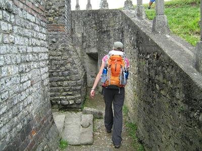 Basel. Het fort maakt deel uit van de Remeinse opgravingen midden in het huidige dorp Kaiser August. Er loopt een wandelroute langs alle verschillende opgravingen