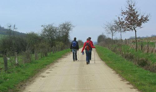 ergens op dit pad passeren we de Franse grens.....