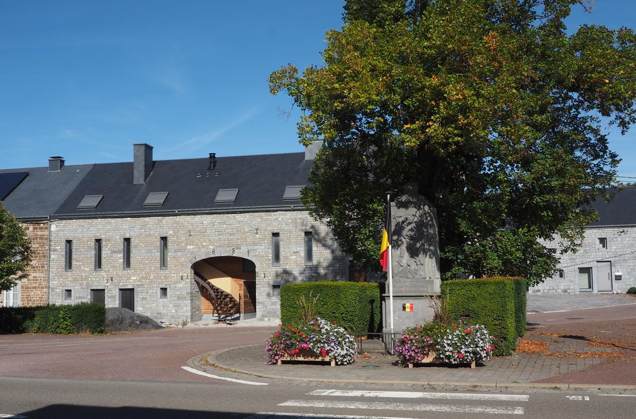 in het centrum van Ave et Auffe