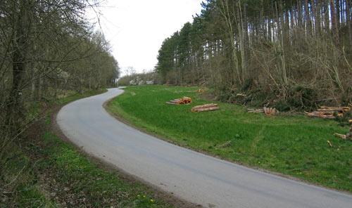 asfalt omlaag naar Resteigne