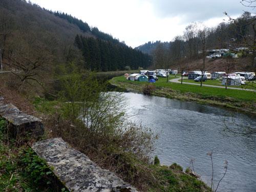 een camping aan de Semois oever
