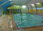 het overdekte zwembad