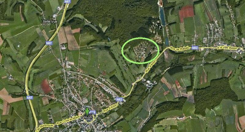 Situatiekaart: Linksonder het stadje Virton met in de cirkel de mooi gelegen camping