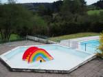 het zwembad, nog leeg in mei