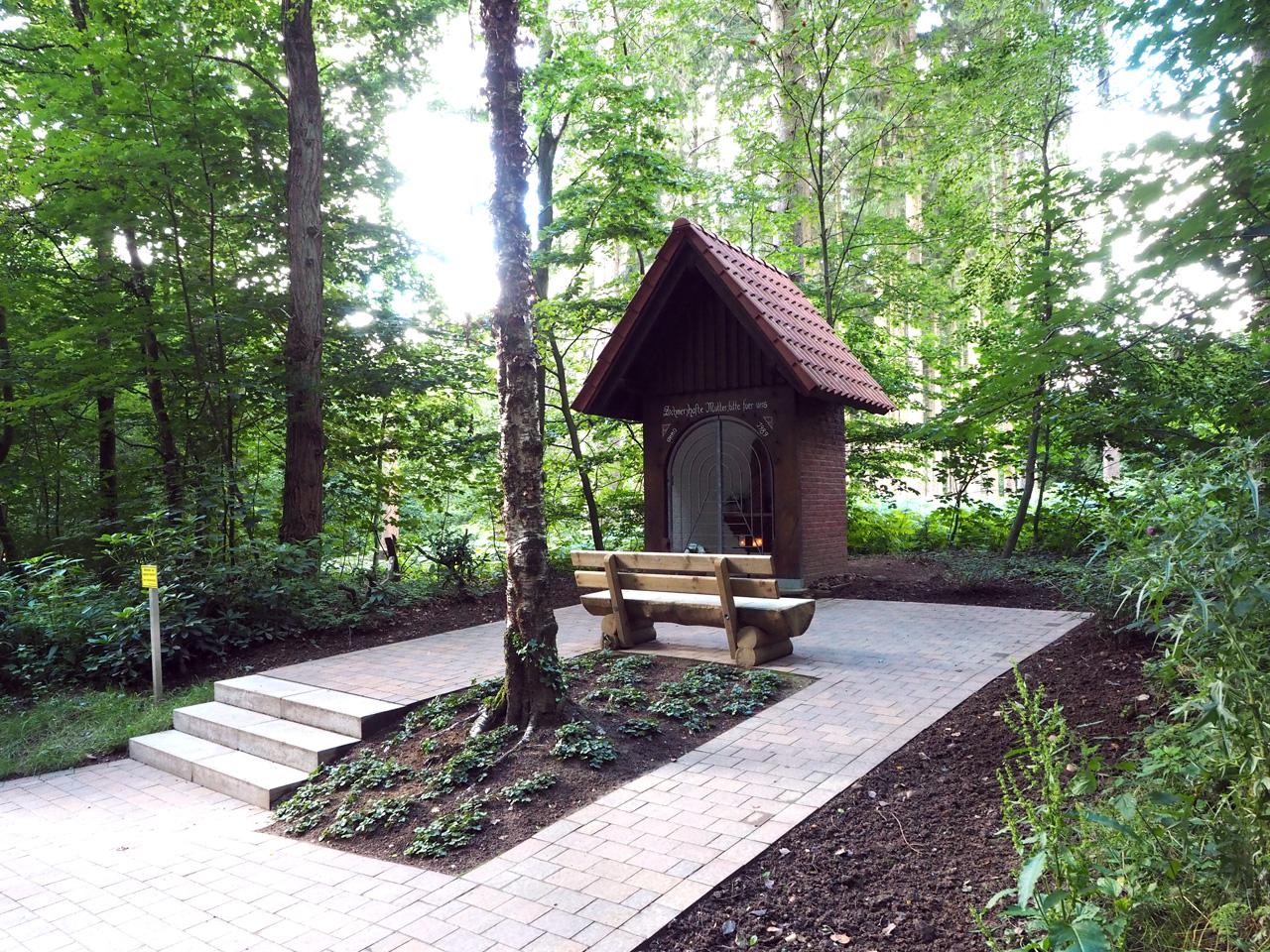 een nieuw gebouwde kapel