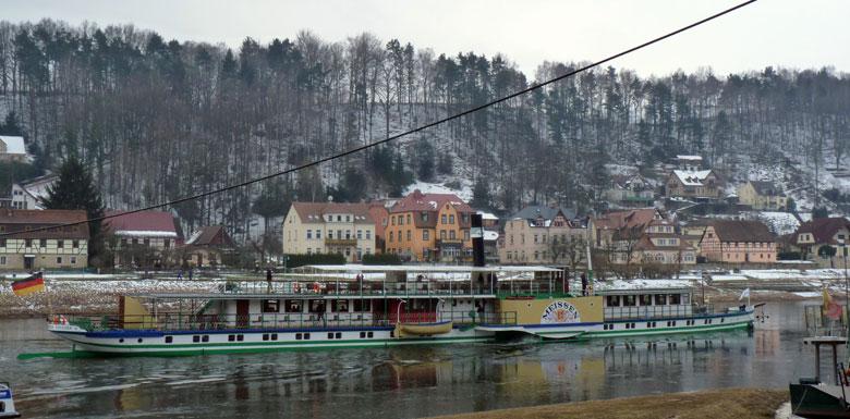 fraaie raderboot op de Elbe