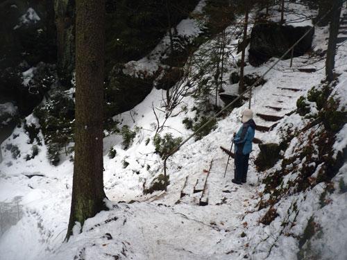 wat wordt het, steile trappen of een rotsspleet