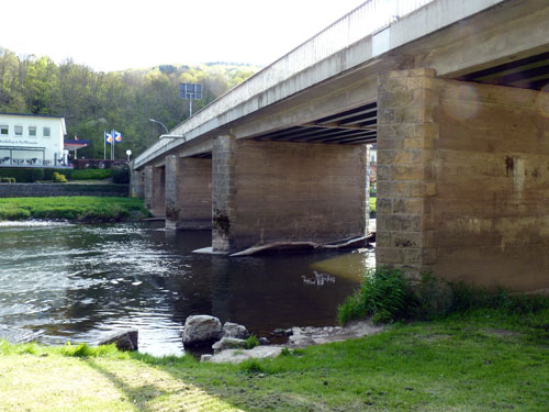 de brug over de Sauer naar Bollendorf-pont