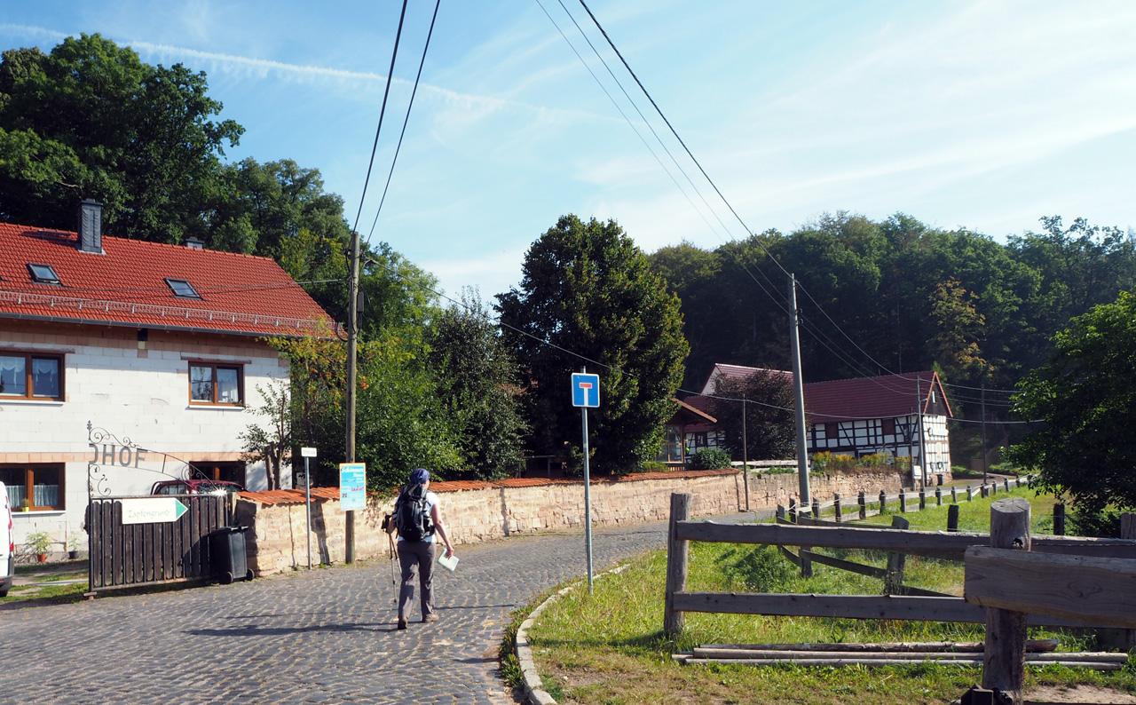 naar het Heuhotel Zapfengrund