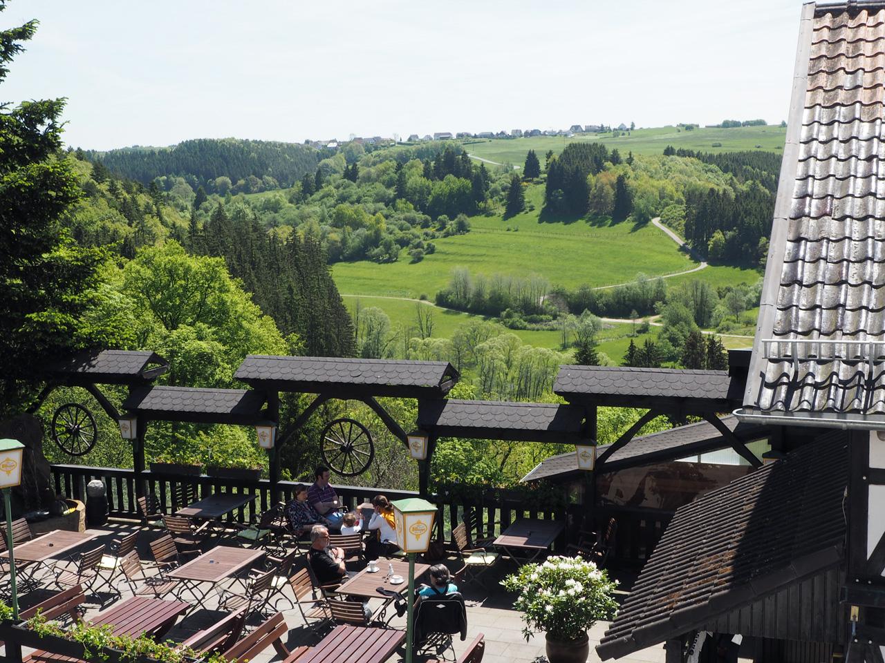 een mooi terras bij Wildenburg