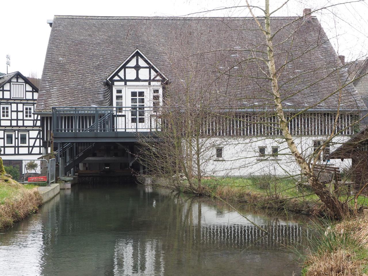 de Lenne met Wassermühle