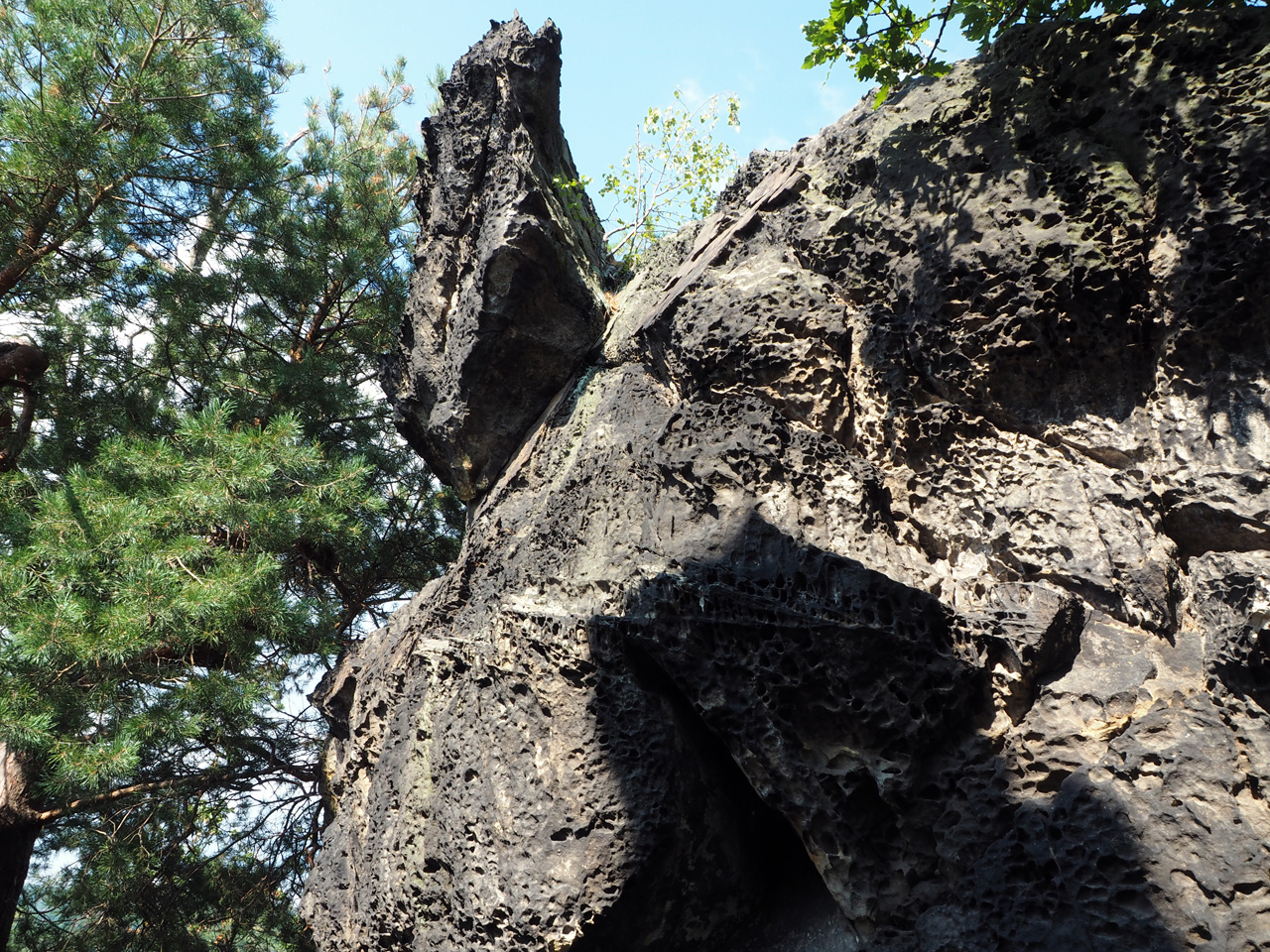 fraaie rotsformaties en doorkijkjes