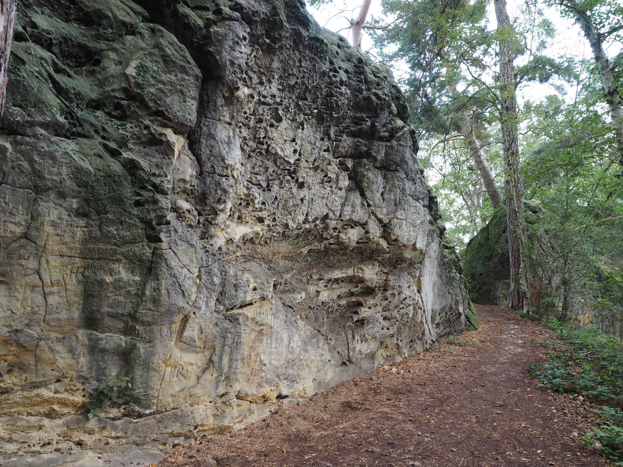 afdaling na de steile rotswand
