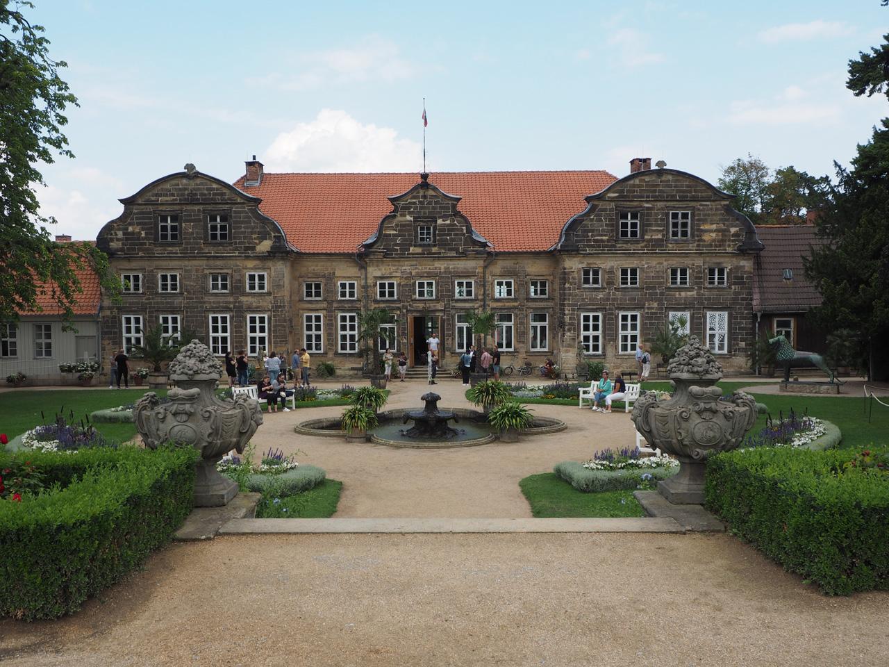 bij het Schlossgarten Kleines Schloss Blankenburg