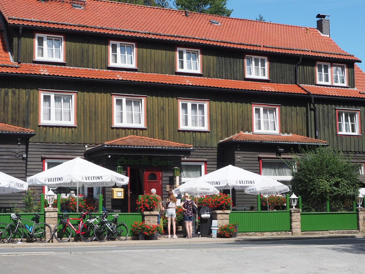 Hotel bij de grote parkeerplaats Mandelholz