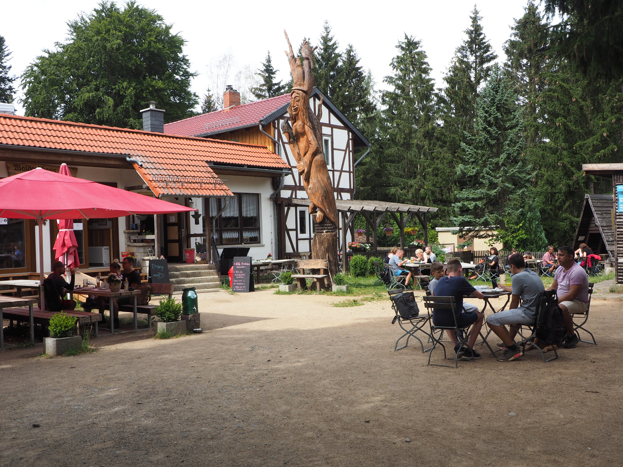 terras bij het Waldgasthaus Plessenburg
