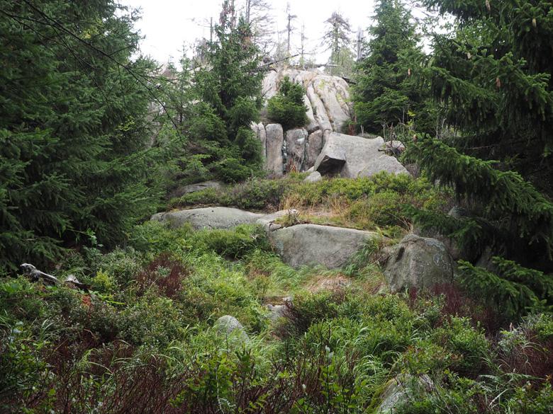 meer rotsformaties onderweg