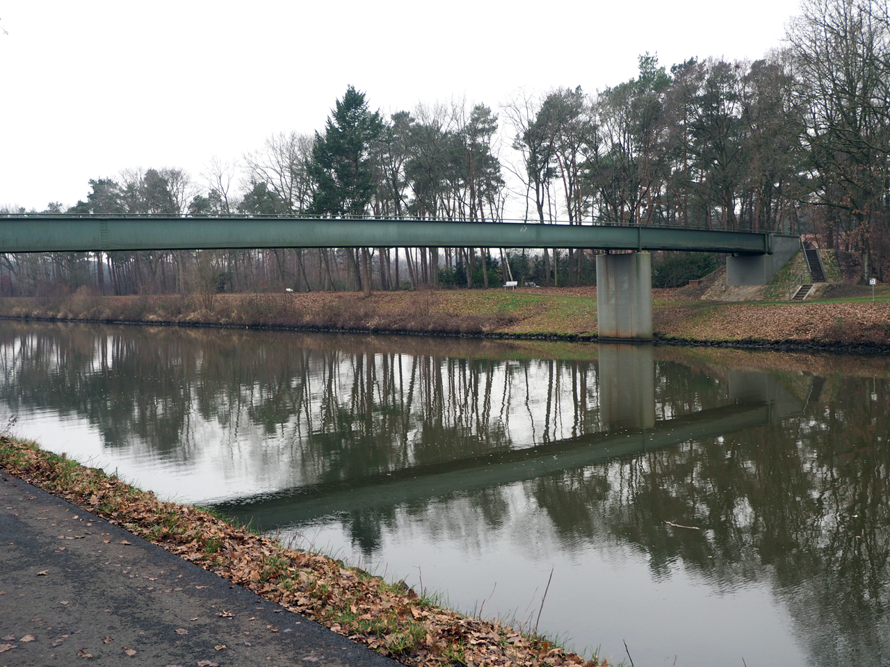 voetgangersbrug bij Holthausen