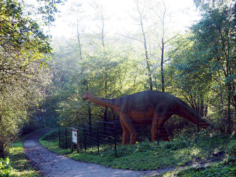 een levensgrote dinosauriër