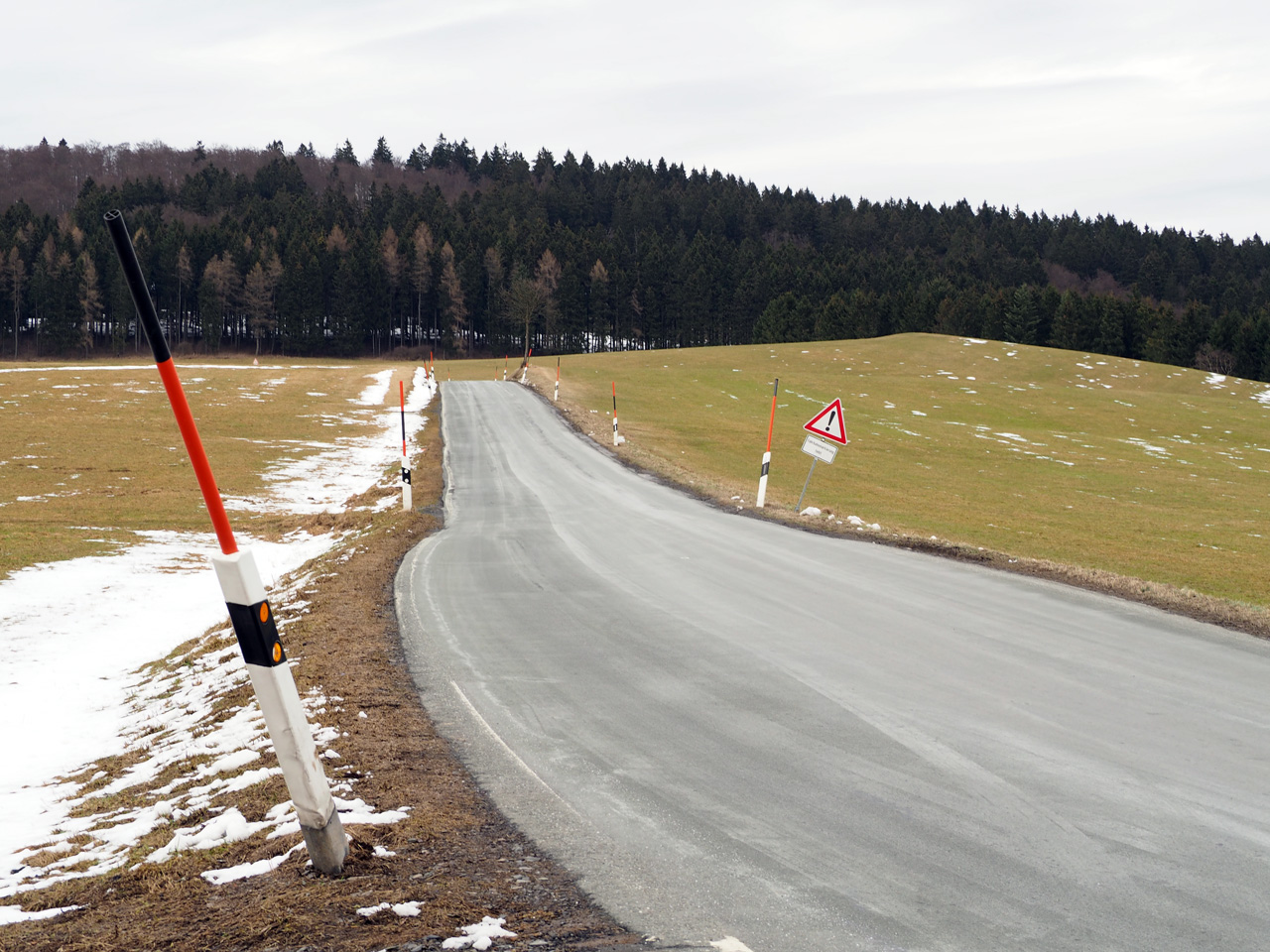 de hoofdweg boven Homberg