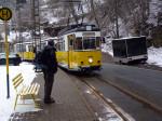 halte van de historische tram naast de camping