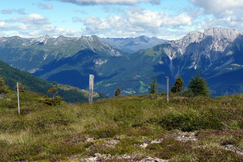 uitzicht in het Gailtal en daarachter het Drautal
