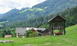 rond deze boerderij moet het Königsgrab te vinden zijn.....