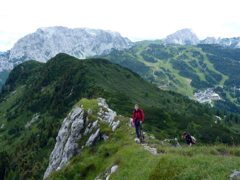 vanaf deze rotspunt gaat het pad over de Grat