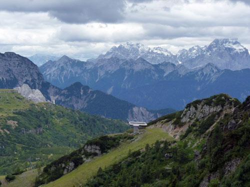 fraaie vergezichten vanaf de bergtop