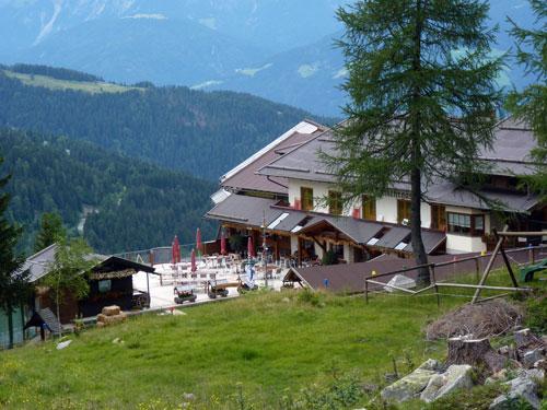 nieuw terras voor het Gasthof Alpenhof