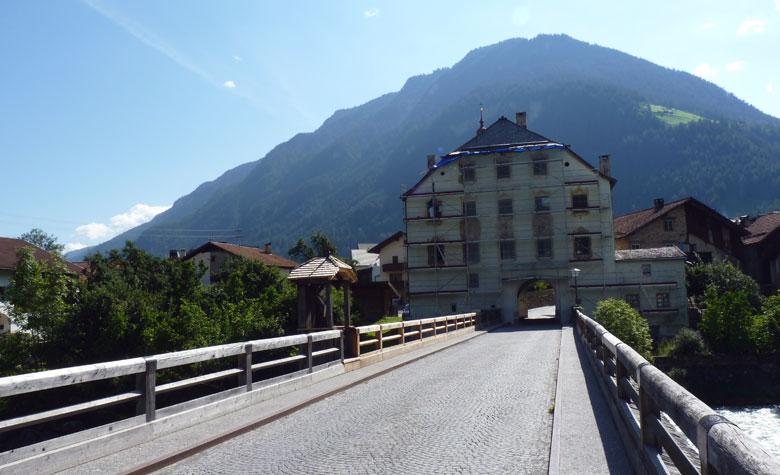 brug over de Inn naar Pfunds-Dorf