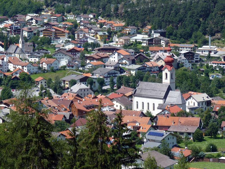nog een mooie blik op het stadje in het Oberinntal