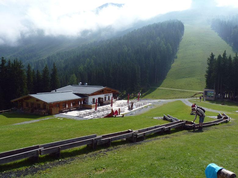 een prachtige speeltuin rond het Berggasthof Sattelklause