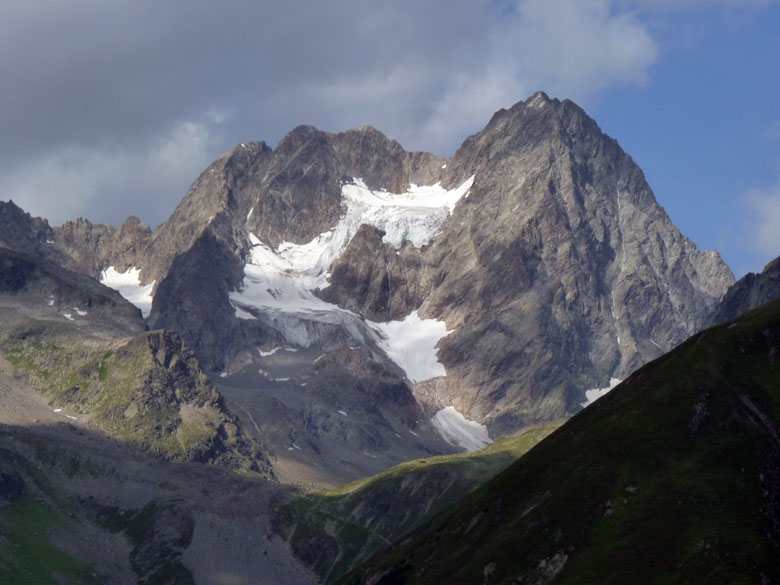 steeds meer gletsjers worden zichtbaar