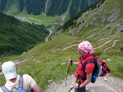 kronkelpaadje over de berghelling