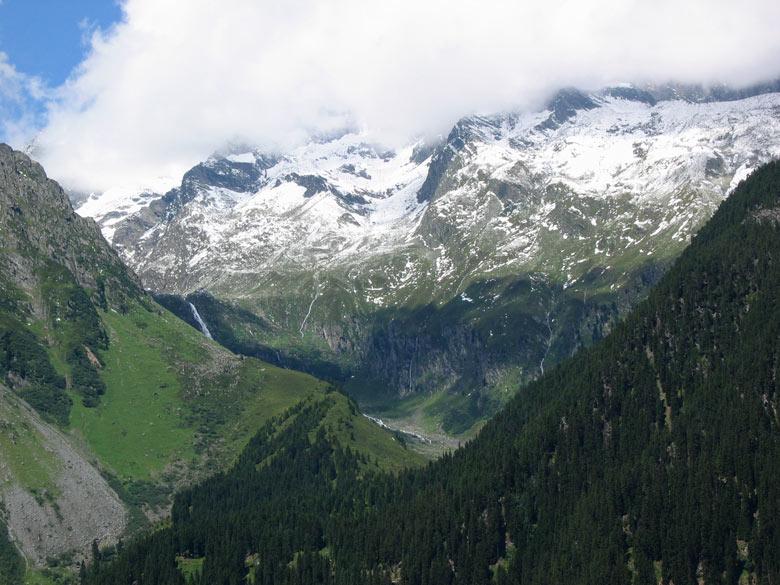 uitzicht vanaf het terras op de Stubaitaler gletsjers