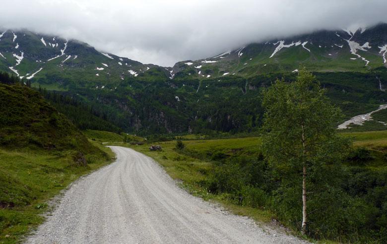 de brede weg naar  het Naturfreundehaus
