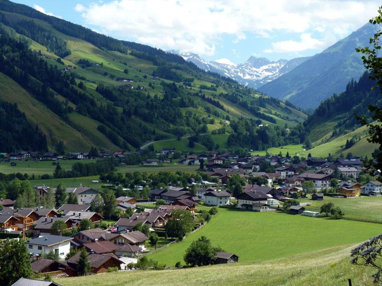 uitzicht op Wörth en de camping Andreiwirt