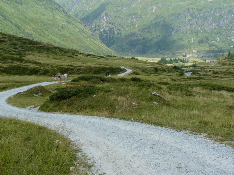 de terugweg door het dal