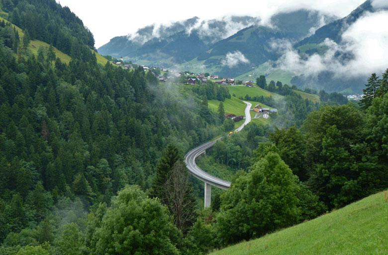 Raggal met de dalbrug over de Marulbach