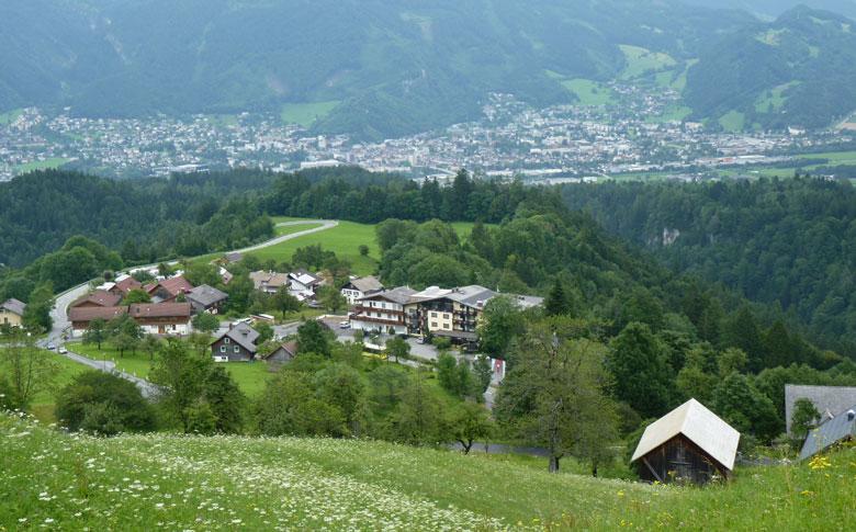 via Baumgarten dalen we af naar Bürserberg Boden