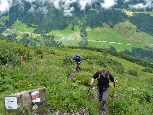 we beginnen aan de klim naar de Sattel