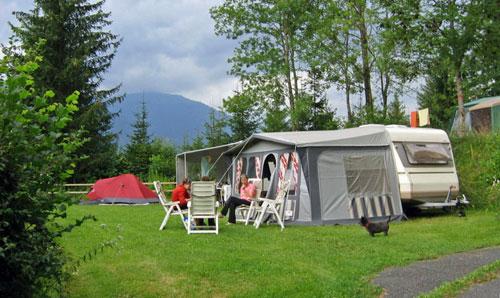 een van de ruime staplaatsen op het Alpenferienpark