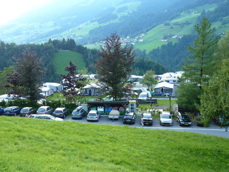 Camping op een 875m hoog terras met prachtig uitzicht in het Grosswalsertal