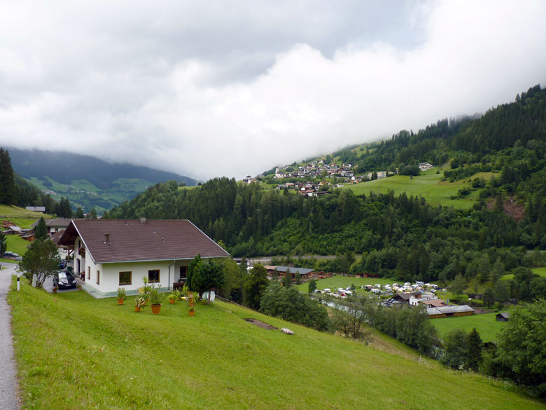 Camping Mountain Camp Pitztal, in het dal onder Jersens