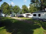 mooie ruime staanplaatsen op de camping