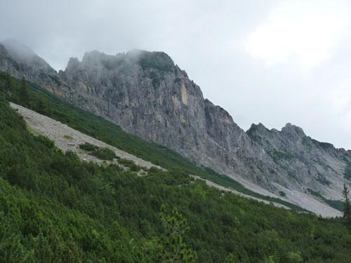 links krijgen we zicht op de Staffelfeder bergrug