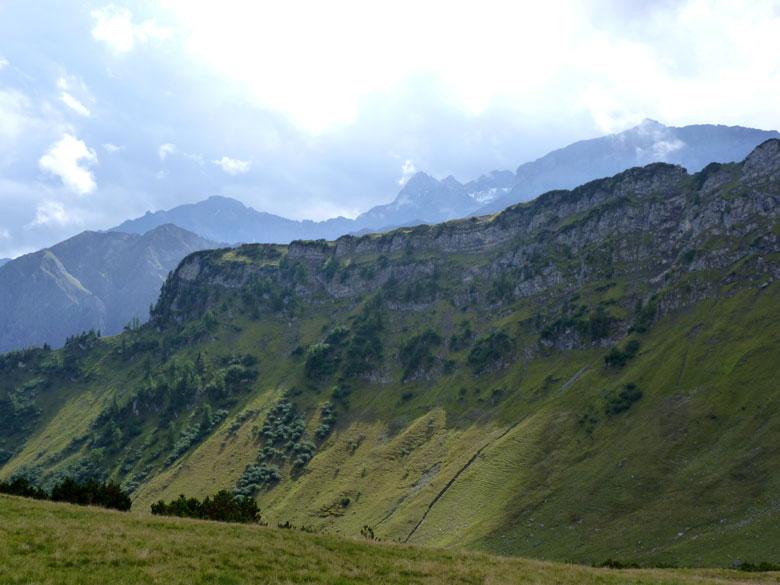rechts de mooie rotswand van de Windecker Spitze