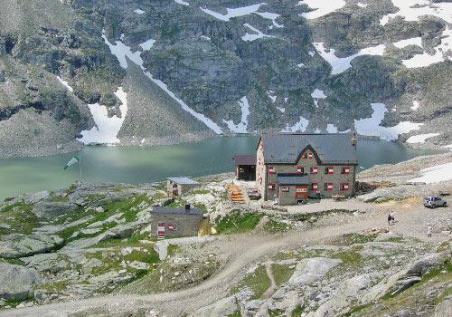 Schitterend uitzicht vanuit de kabelbaan naar 2800m